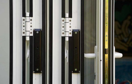 12-closed-stack-horizon-aluminium-bifold-door