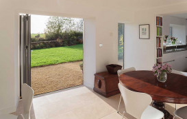 15-open-to-lawn-horizon-aluminium-bifold-door