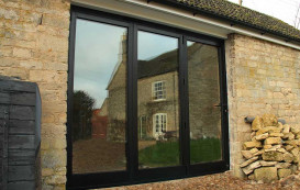 16-bricks-closed-horizon-aluminium-bifold-door