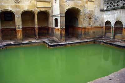 roman-baths-in-bath