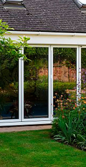 tall smarts aluminium bifolds outside shot